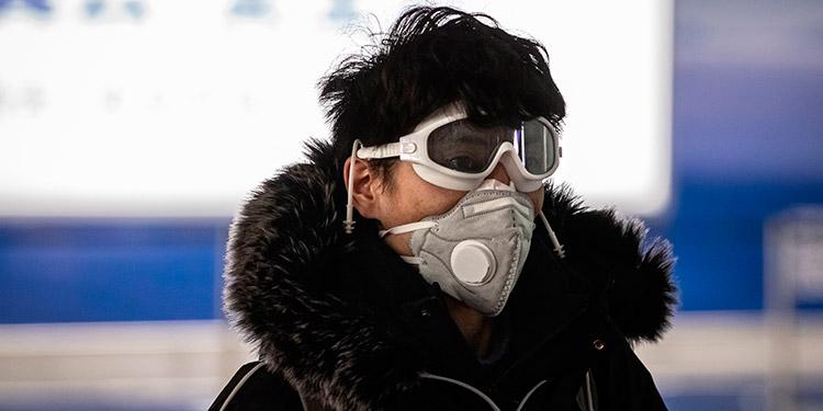 China mantiene la tendencia a la baja de infectados por coronavirus en medio de 'situación compleja'