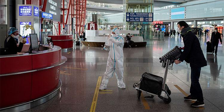 Bajan los casos de COVID-19 en China, cuya economía empieza a registrar daños