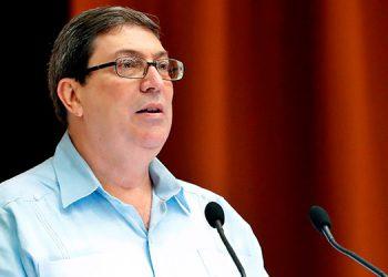 Cuba ve 'ofensivas' las críticas de EEUU a sus médicos en tiempos de pandemia