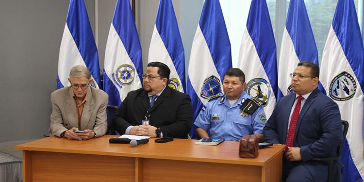 En la jornada de rendición de cuentas participaron el director general de la Policía, José David Aguilar Morán; el titular de la Didadpol, Allan Edgardo Argeñal Pinto y los miembros de la Comisión Especial para la Depuración policial.