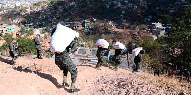 Fusina siguió entregando alimentos a pobladores
