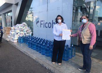 Grupo Financiero Ficohsa entrega canastas de alimentos a personal hospitalario