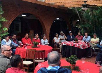 Los dirigentes de tres movimientos liberales en la primera reunión de trabajo en San Pedro Sula el fin de semana.