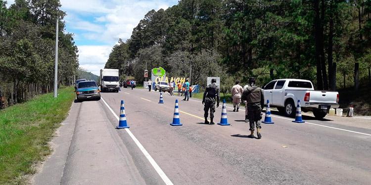 Retén cierra el paso en carretera a Olancho (Video)
