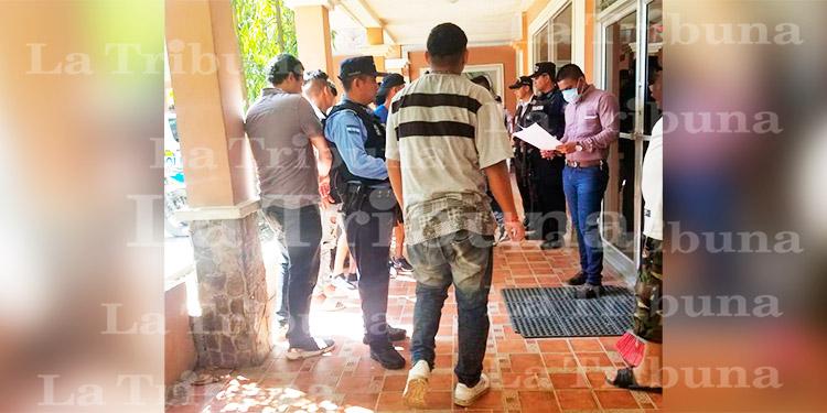 Por incumplir medidas en prevención al COVID-19 son detenidas 13 personas