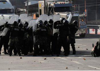 Protesta de vecinos de La Cuesta termina en enfrentamiento (Galería)