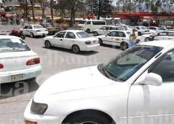 Más de 35 mil taxistas serán beneficiados con bono de alimentos por parte del gobierno