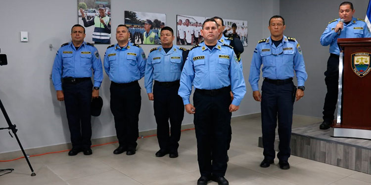 El comisionado de Policía, José Osmín Gómez Romero, queda al mando de la seguridad en la capital.