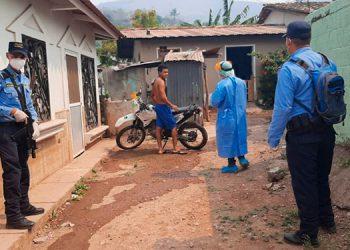 Policía resguarda el cerco epidemiológico