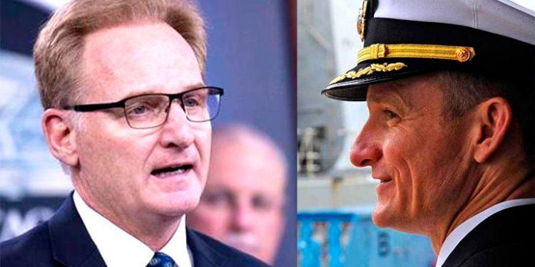 Secretario de la marina de EEUU y el capitán Crozier