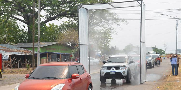 Instalada cabina de desinfección vehicular en entrada a Choluteca