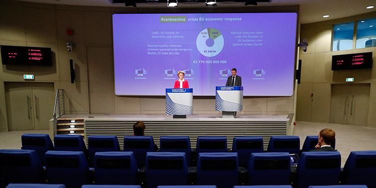 Dimite el científico jefe de la UE al no progresar su plan contra la COVID-19
