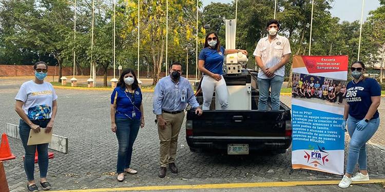Padres y maestros de la EIS donan equipo de radiología al hospital Mario Rivas