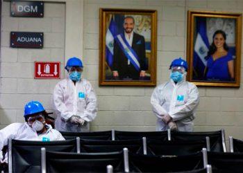 El Salvador rompe récord de contagios de COVID-19 al comienzo de desescalada