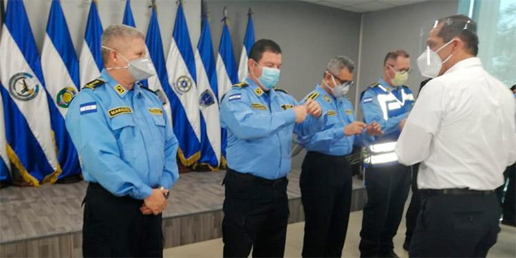 Las autoridades de la Policía Nacional agradecieron por la importante donación realizada por el Grupo Financiero Ficohsa.