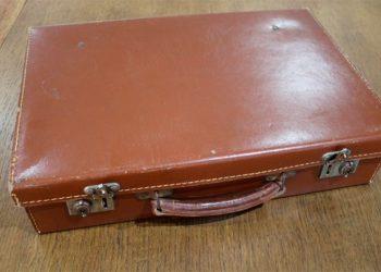Por primera vez abren maleta de soldado británico de la Primera Guerra Mundial y esto encontraron