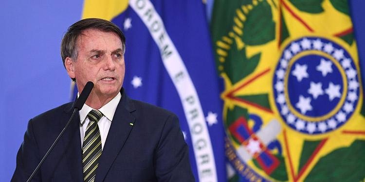 Bolsonaro se lava las manos