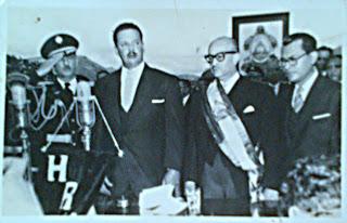 El presidente Ramón Villeda Morales junto al presidente del Congreso, Modesto Rodas Alvarado y el jefe de las FF.AA, Oswaldo Lopez Arellano en 1957.