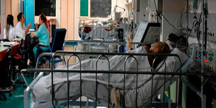 COVID-19 causa cientos de muertes de médicos, policías y periodistas en Perú
