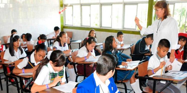 Tareas de alumnos serán revisadas al retornar a los centros educativos