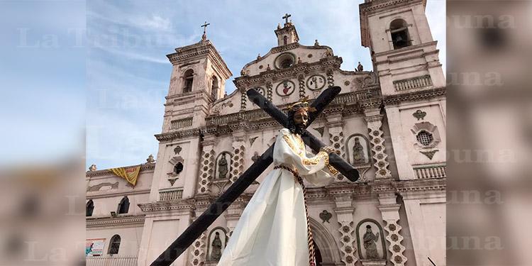 Así fue el 'Santo Viacrucis' en Tegucigalpa (Galería)