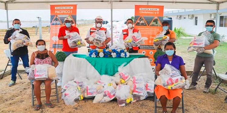 Les donan víveres a más de 900 familias