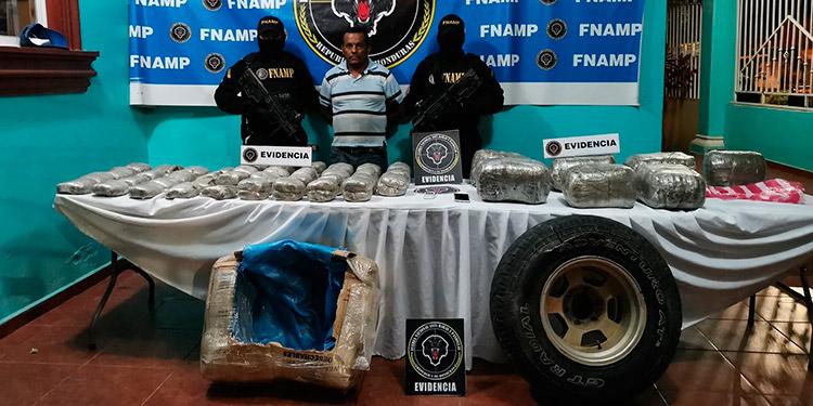 El motorista Lenín Javier Sarmiento Suárez fue remitido a la Fiscalía por suponerle responsable de cometer el delito de facilitación de los medios de transporte para el tráfico ilícito de drogas.