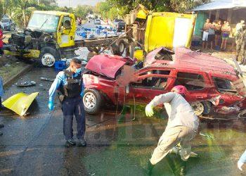 Aparatoso accidente deja dos personas muertas en San Pedro Sula