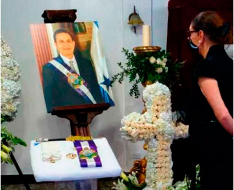 Cuerpo de expresidente Callejas fue recibido en ceremonia sencilla (Galería)