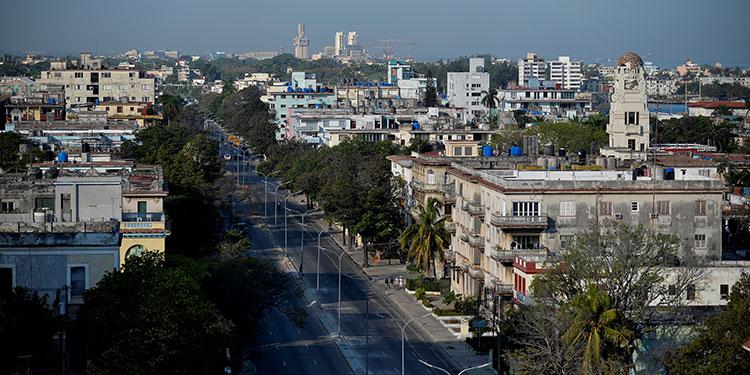 """El embargo es """"aún más cruel"""" durante una pandemia, denuncia Cuba"""