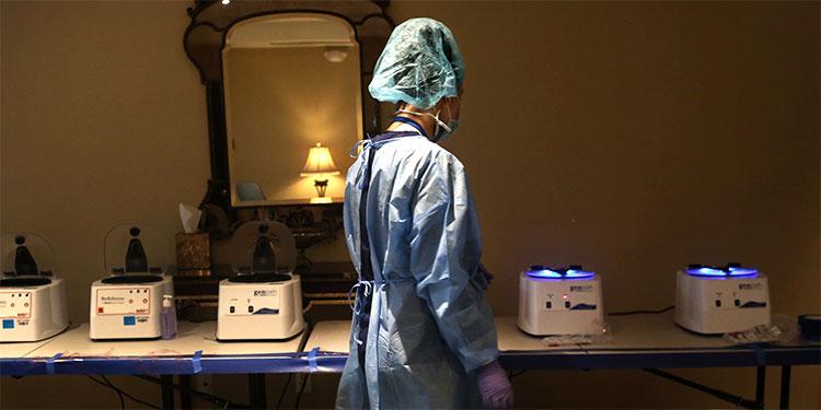 Doctora de Nueva York que trató pacientes con COVID-19 se quita la vida