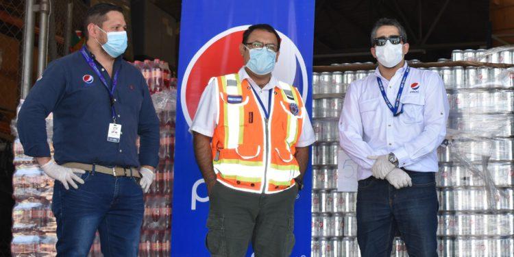 CBC dona bebidas hidratantes a COPECO para brindar asistencia humanitaria
