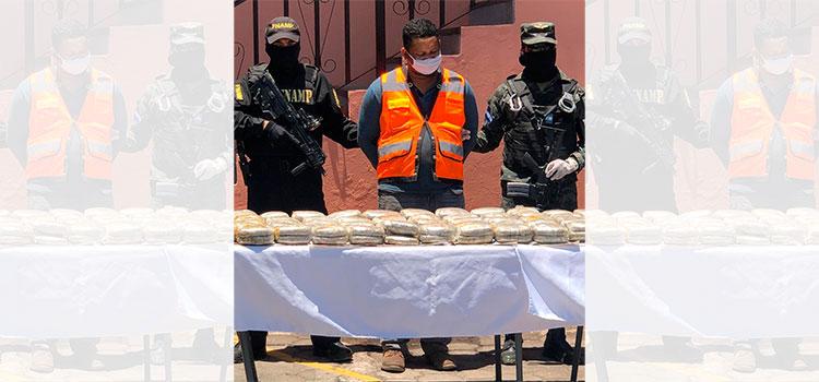Capturan a dos integrantes de la MS-13 con varios paquetes de marihuanaen la capital (Vídeo)