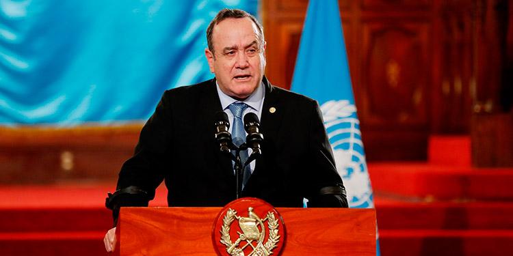 Presidente de Guatemala se reúne con la mesa de diálogo sobre el presupuesto 2021