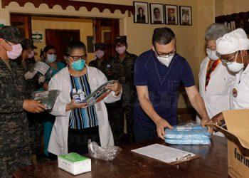 Entregan equipo de bioseguridad en hospital del Tórax y otros centros asistenciales (Galería)