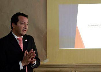 Dimite viceministro tras escandalosas compras en Panamá por COVID-19