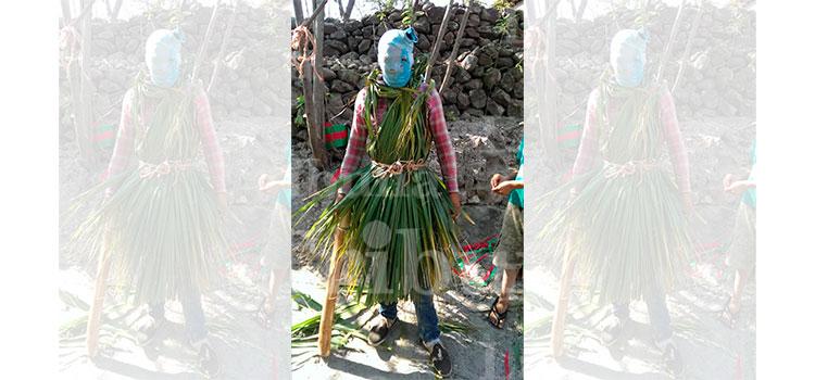"""Con máscaras y trajes rasgados """"Judíos"""" desobedecen la cuarentena por COVID-19 en El Paraíso (Video)"""