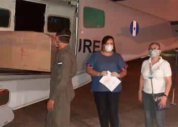 En un avión de la FAH se envió el viernes un lote de equipo e insumos que permitirá hacer 300 pruebas diarias.