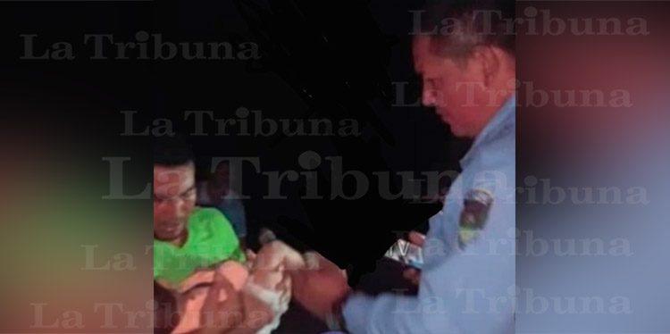 Matan a mujer en Copán y lanzan su bebé a zacatera