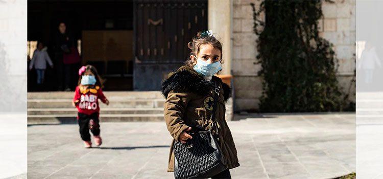 Estudian por qué el coronavirus afecta tan poco a los niños