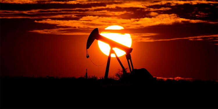 Petróleo cotizado en Nueva York para entrega en mayo cierra a USD -37,63 el barril