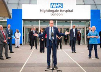 Príncipe Carlos de inaugura hospital para COVID-19