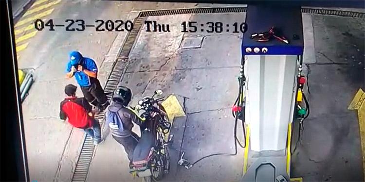 Sospechoso es capturado por haber participado en robo a una gasolinera (Video)