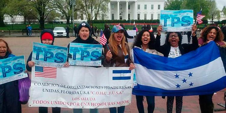 Beneficiados de TPS piden en Washington a Trump y Biden derecho a residencia
