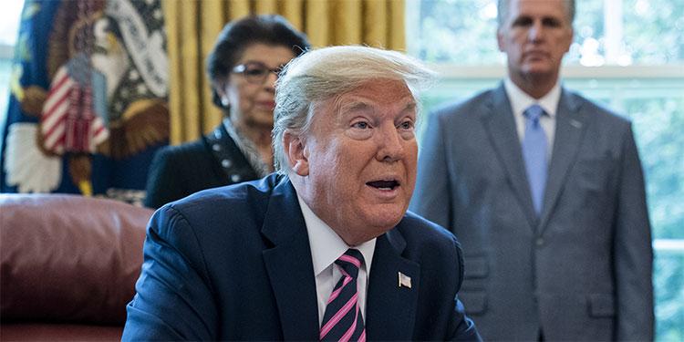 Trump dice que hablaba con sarcasmo sobre la inyección de desinfectantes