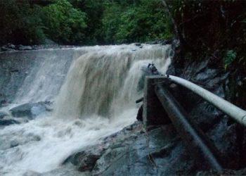 Las tareas no han sido fáciles porque los daños fueron en la zona alta de los dos proyectos de agua potable en Catacamas.