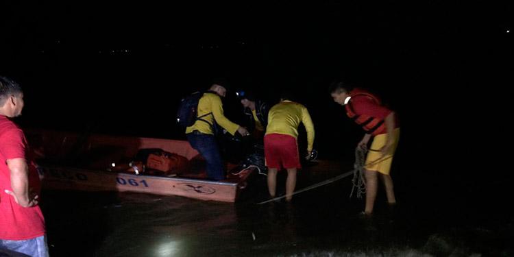 Naufragio deja dos pescadores ahogados y siete sobrevivientes