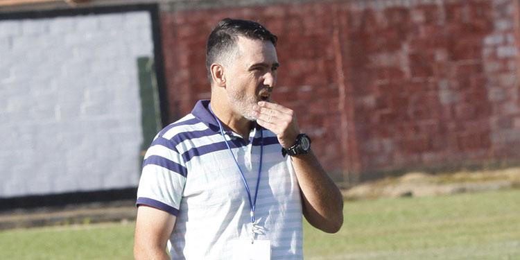 Fernando Araujo regresará al terminar su contrato con el Vida.