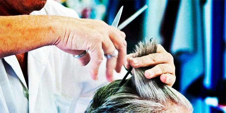 Barberías y salones de belleza vuelven a abrir sus puertas al público