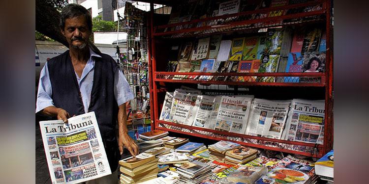 Los canillitas denuncian que a tempranas horas tienen muchas dificultades con la recepción de los diarios para las entregas a los lectores.